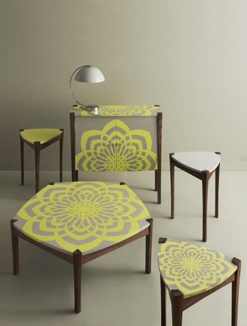 frische Deko Accessoires grün muster tischplatte stuhl geometrisch