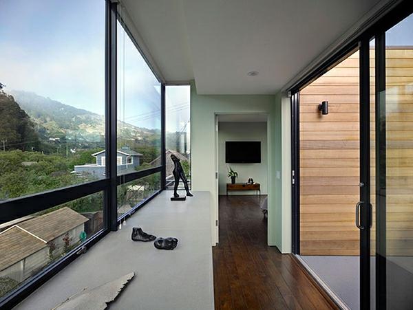 geniales haus design bietet schutz vor berschwemmung. Black Bedroom Furniture Sets. Home Design Ideas