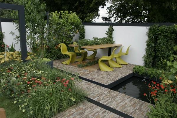 gestalten sie schönen garten sitzplatz esstisch pflanzen holz wasseranlage