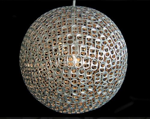 hängende Lampen aus recycelten Gegenständen gefertigt affonso