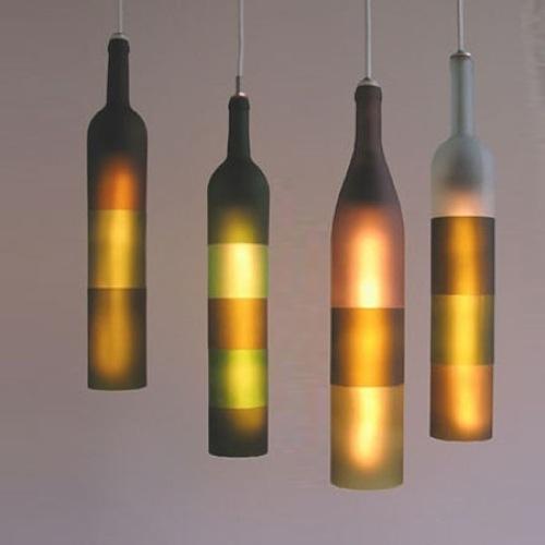 hängende Lampen aus recycelten Gegenständen gefertigt jerry kott