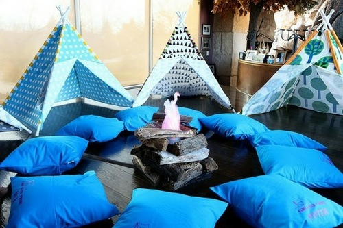 indoor zelt camping blaue texturen kissen spearmint baby