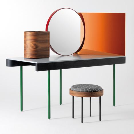 innovatives schminktisch design von doshi levien konzipiert. Black Bedroom Furniture Sets. Home Design Ideas