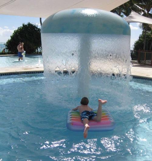 interessante swimmingpool designs offen wasserfall