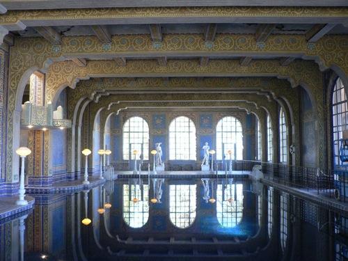 interessante schwimmbad designs schwimmhalle hearst castle