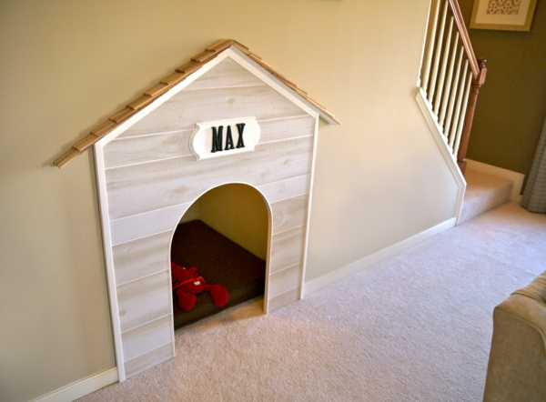 katzen und hunden häuser idee eingebaut treppe