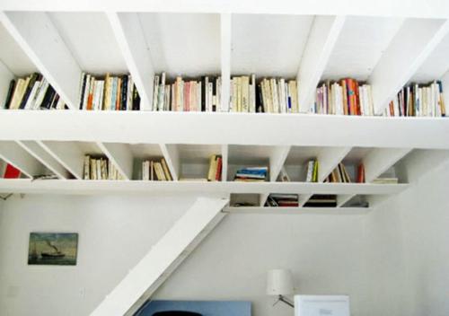 kreative ideen f r b cher aufbewahrung hausbibliothek design. Black Bedroom Furniture Sets. Home Design Ideas