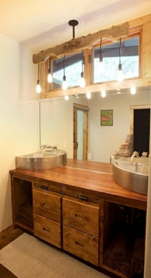 ländliche badezimmer design ideen rustikal holz waschbeckentisch metall
