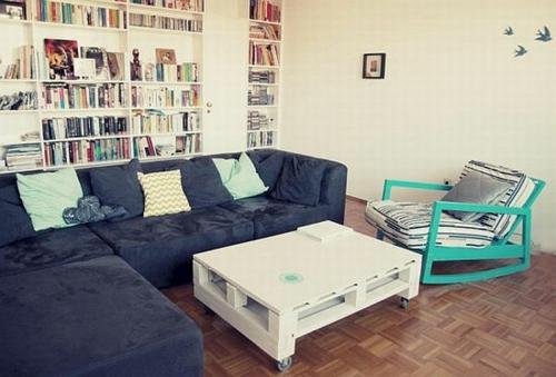 möbel aus holz paletten weiß tisch glatt tischplatte wohnzimmer