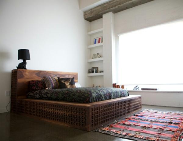massives holz bettgestell schlafzimmer chinesisch teppich