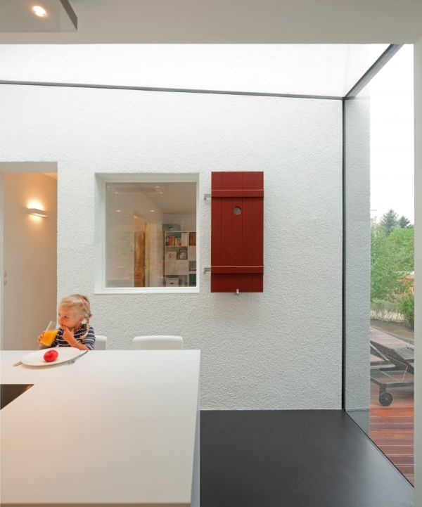 moderne haus erweiterung esszimmer küchenbereich weiß einrichtung