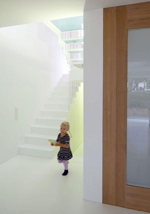 moderne-haus-erweiterung-esszimmer-treppenhaus