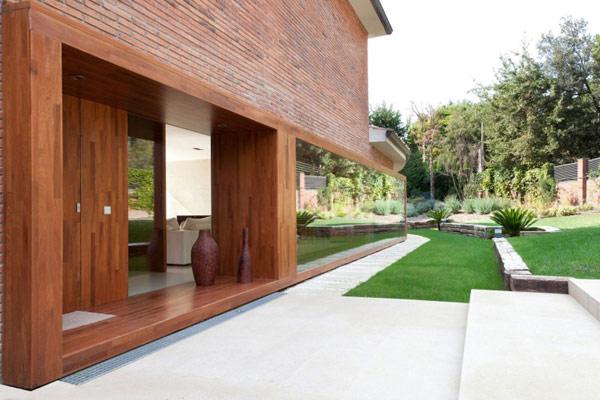 moderne holz residenz spanien fassade außenbereich