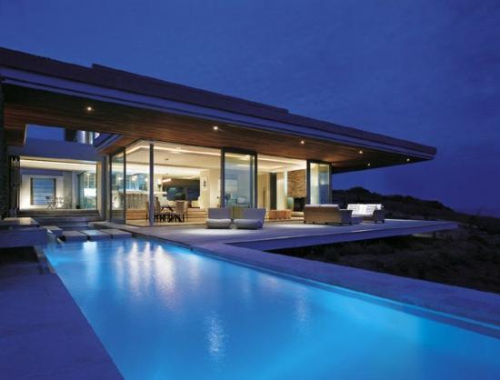 Moderne Haus Design Idee   Der Eingangsbereich mit roter Tür