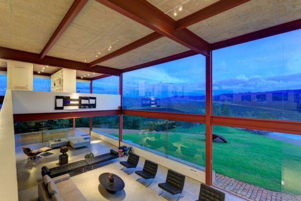 Modernes Brasilianisches Haus Fassade Grosse Fenster Wohnzimmer