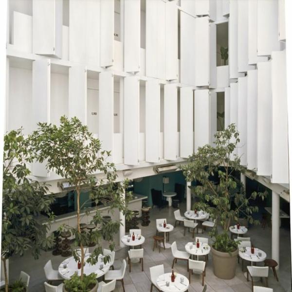 modernes funktionales hotel französsisch neoklassisch essbereich