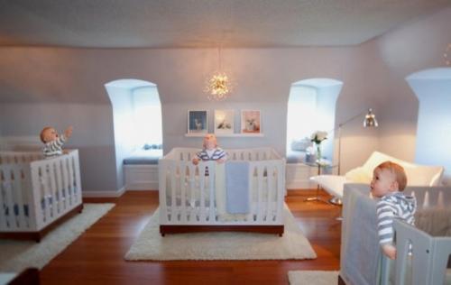 Fabelhafte, ruhige moderne Kinderzimmer Designs für Drillinge