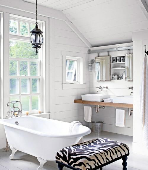 badezimmer design ideen badewanne zebrastreifen hocker