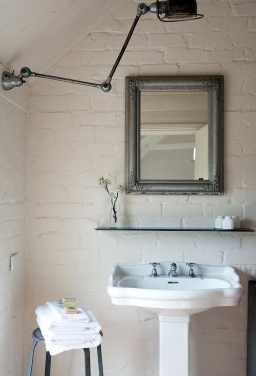 rustikale badezimmer design wascbecken traditionell