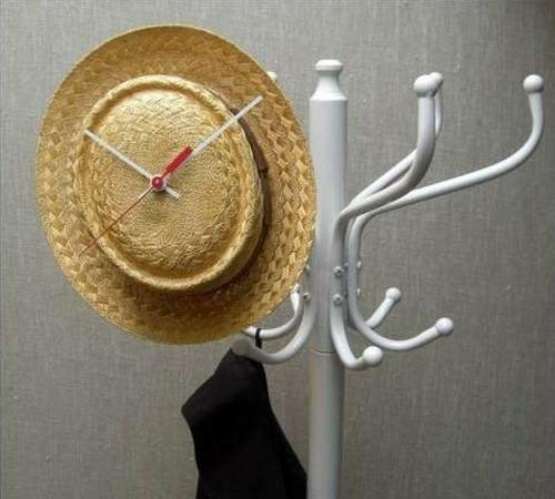 schöne deko ideen mit hüten elegant stroh ständer