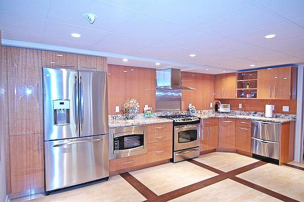 schöne küchen farbpalette holz eingebaut küchenschrank kühlschrank kochherd