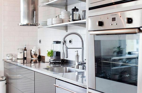 schönes modernes dach apartment in stockholm platziert - Apartment Küche