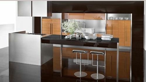 schicke küchen designs weiß glanzvoll barstühle holz fläche