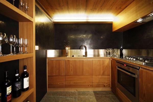 schicke moderne holz küchen designs schwarz küchenrückwand