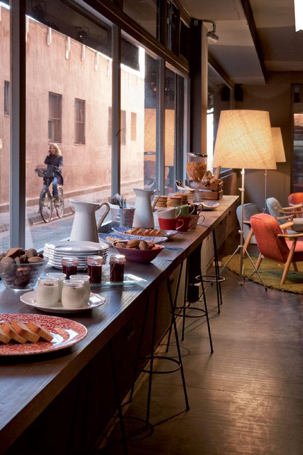Schickes einfaches hotel in barcelona hol im charme der for Schickes hotel
