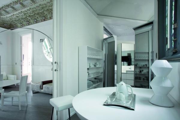 Schickes zentrales Hotel Design barcelona kaffeetisch modern