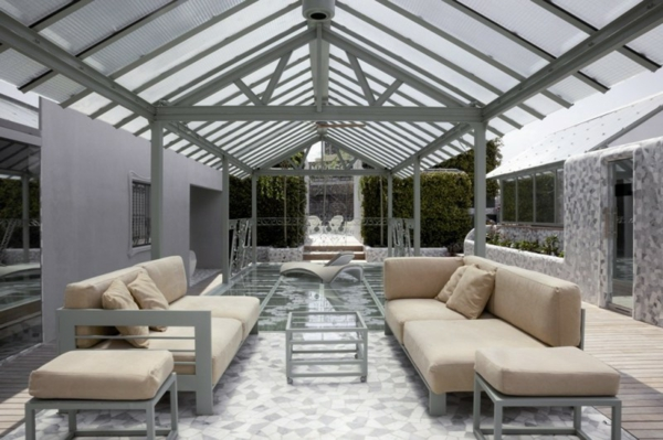 Schickes zentrales Hotel Design barcelona sitzecke sofas beige