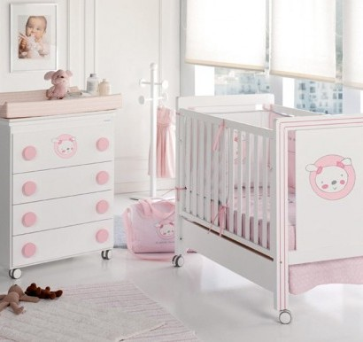trendy kinderzimmer m bel f r babys von micuna. Black Bedroom Furniture Sets. Home Design Ideas