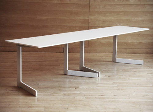 Wei es klappbares tisch design ola von akka for Tisch schwedisches design