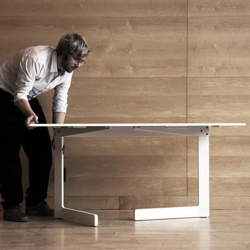 Wei es klappbares tisch design ola von akka for Mobel schwedisches design