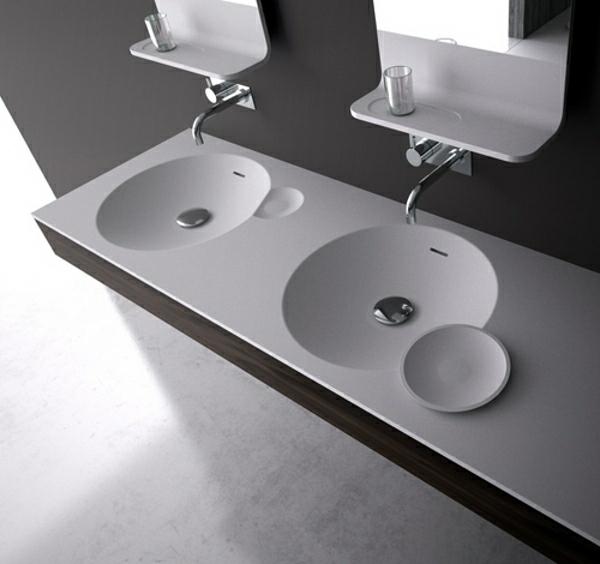 wunderschöne waschbecken im bad graue farben ovale form