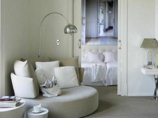 zentrales hotel barcelona wohnbereich weich sitzecke