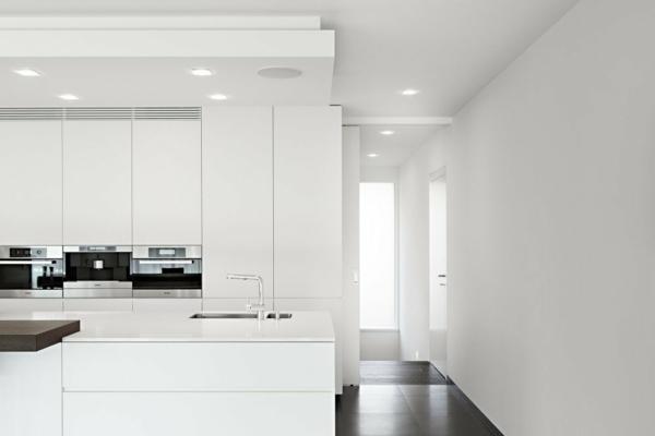 zwei getrennte apartments in einem nachhaltigen gebäude küche