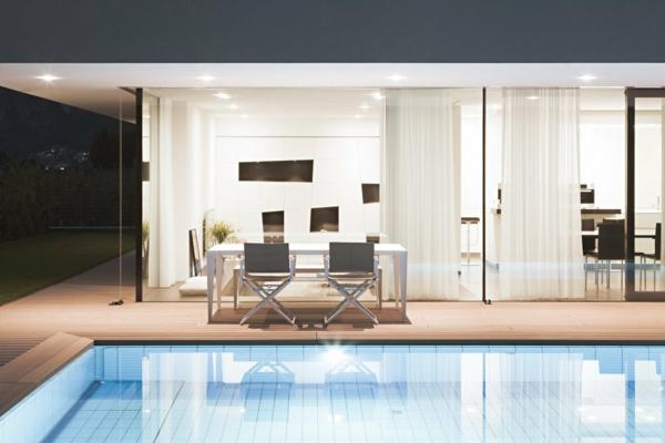 zwei getrennte apartments in einem nachhaltigen gebäude pool