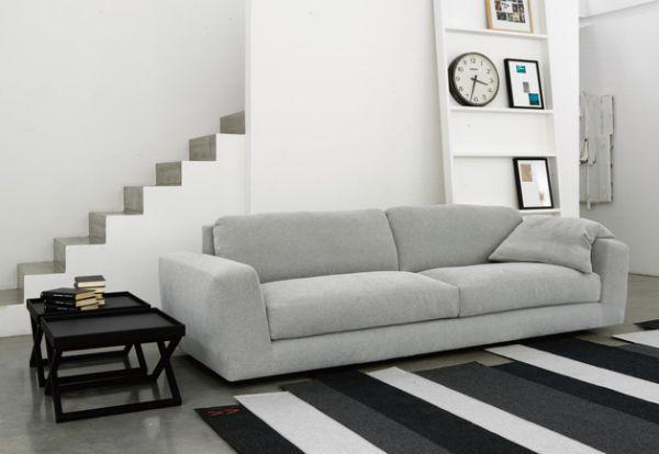 Attraktive Wanduhr Designs klassisch groß grau sofa treppenhaus