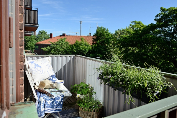 Charmante Einzimmerwohnung in Schweden balkon sonnig