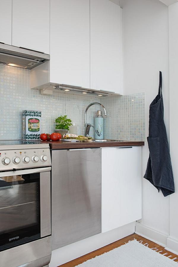 Charmante Einzimmerwohnung  küche küchenspiegel