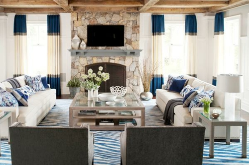 Das Wohnzimmer Attraktiv Einrichten Einbaukamin Steinwand Teppich Streifen