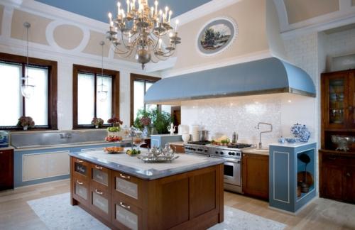 Französisches Küchen Design im Landhausstil blaue akzente
