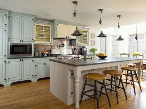 Französisches Küchen Design im Landhausstil eingerichtet barstühle holz