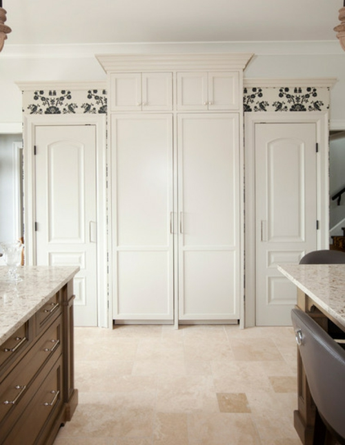 Französisches Küchen Design im Landhausstil weiße küchenschränke