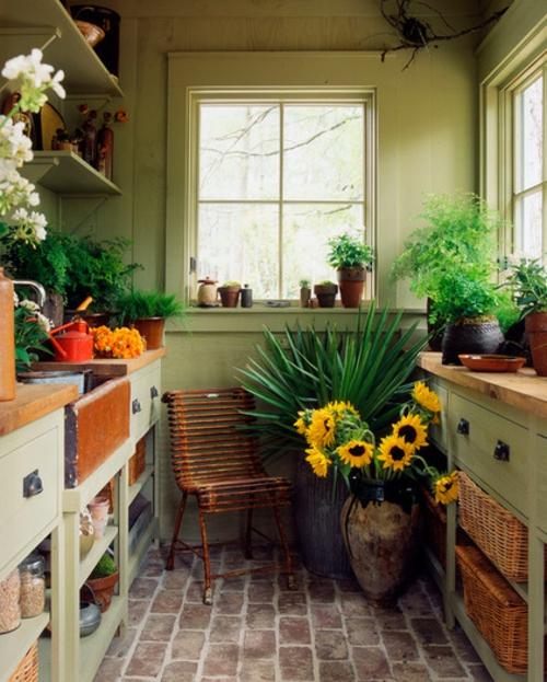 inspirierende ideen f r gartenhaus im hinterhof. Black Bedroom Furniture Sets. Home Design Ideas