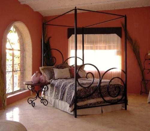 Himmelbetten aus Holz im Schlafzimmer gestell metall gebogen