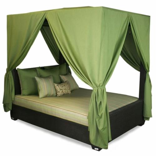 Himmelbetten im Schlafzimmer grüne gardinen
