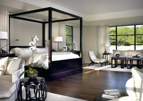 Himmelbetten aus Holz im Schlafzimmer massiv quadratisch