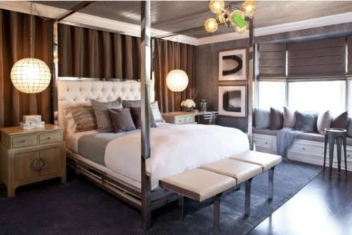 Himmelbetten aus Holz im Schlafzimmer metall glänzend deckenhoch